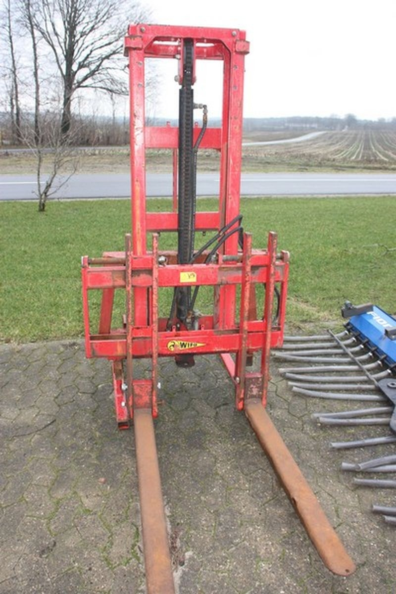 Universal truck tower for 3-point hitch, Wifo Anema BV, type