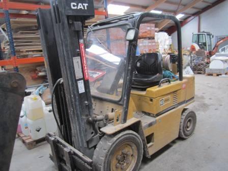 Forklifts Caterpillar V50D, capacity 2 300 kg, year 1989 propellant