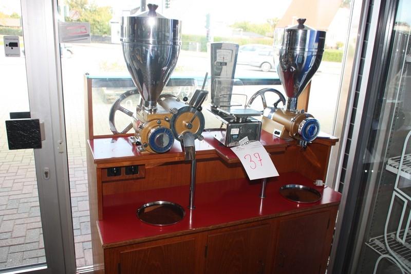 Seriøst Kaffemølle, Gyro med 2 møller: type A2 med magasin + type 4 TL18