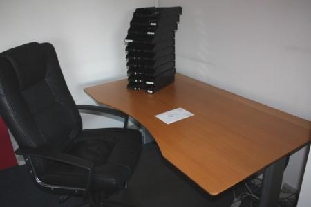 El-hæve/sænkeskrivebord + kontorstol + køreplade