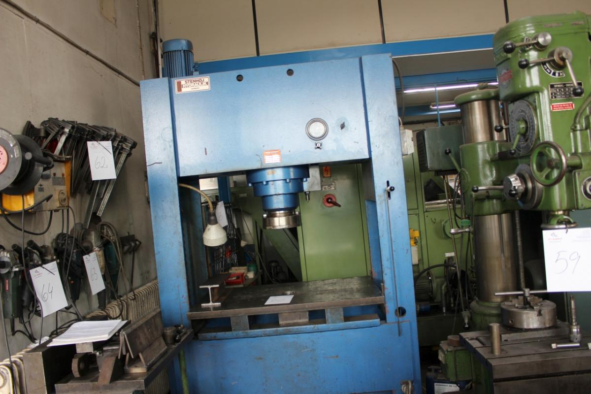 Double acting Hydraulic Press 150 tons  Stenhøj type: 500610