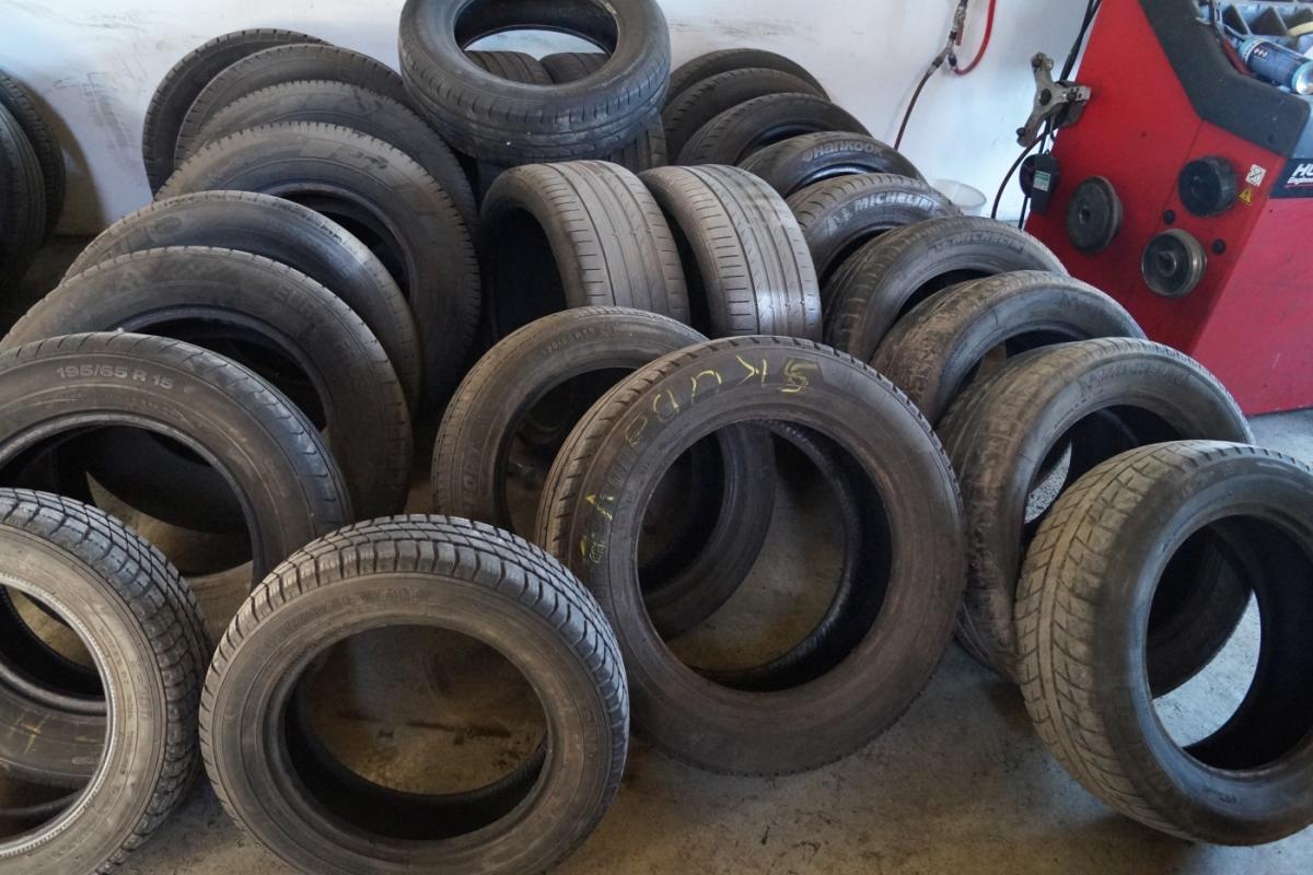 Reifen Ohne Felgen 34 Absatz Kj Auktion Maschinen Auktionen