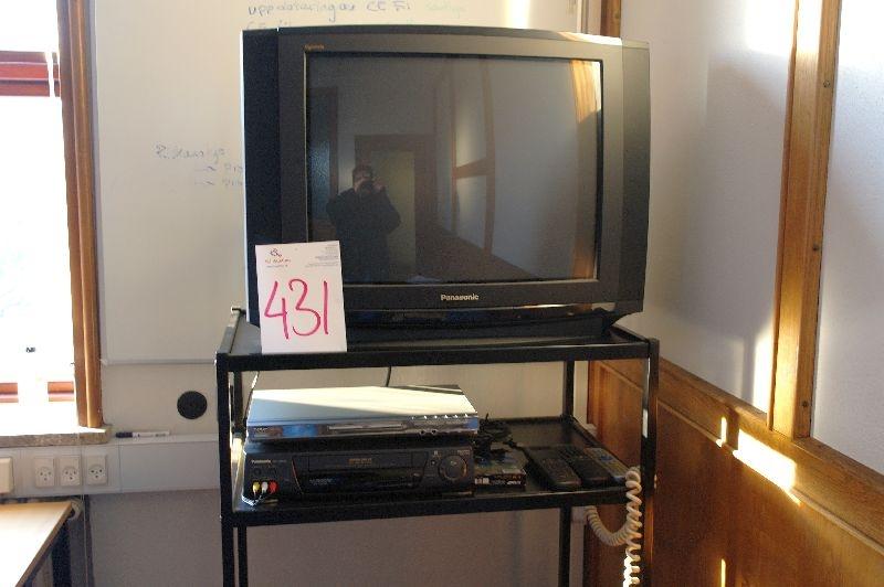 Fabriksnye Panasonic fjernsyn + Denver DVD afspiller 706K + Panasonic VHS SN-28