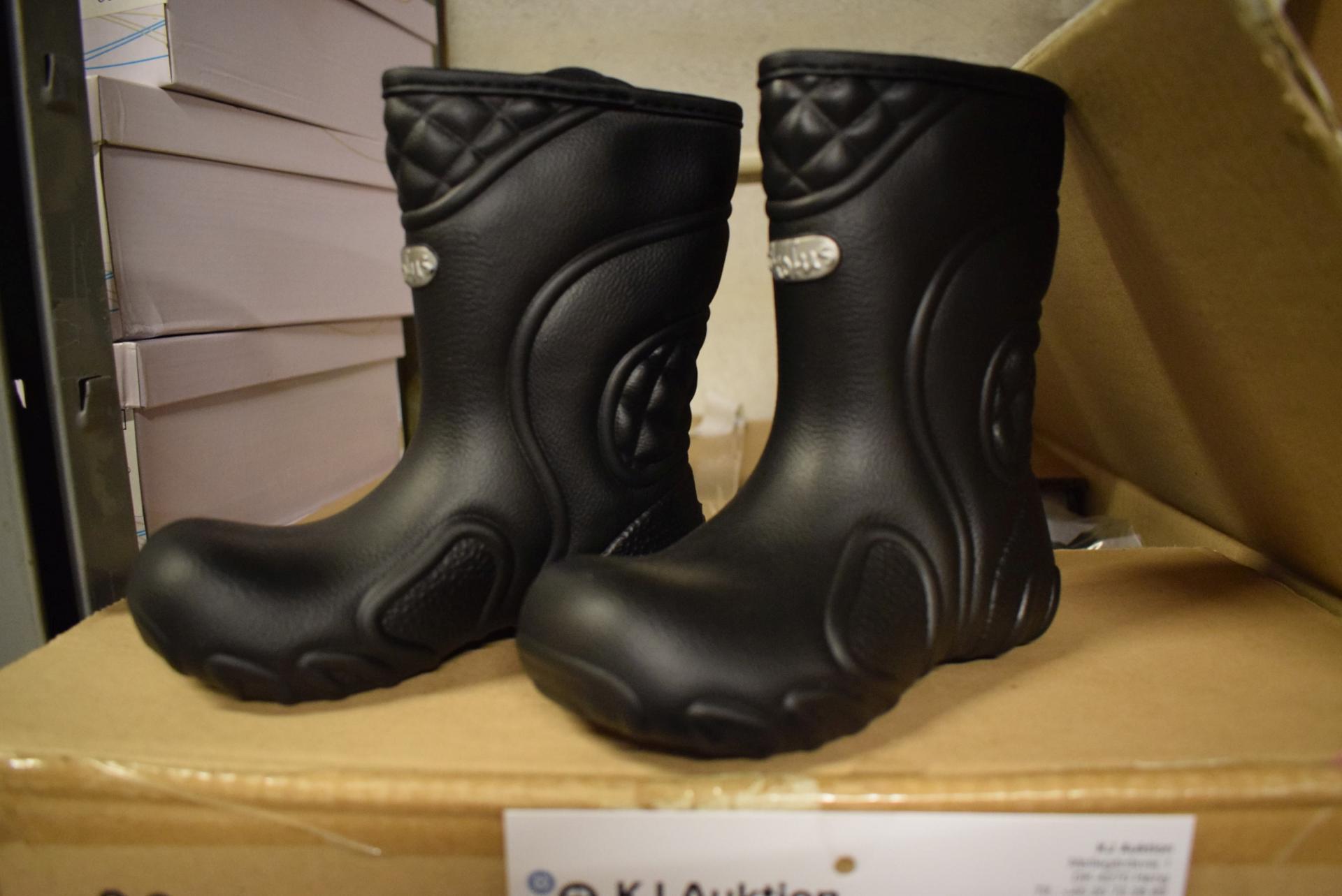0a283d905151 12 pairs SKOFUS children rubber boots Str. 22 - KJ Auktion - Machine ...