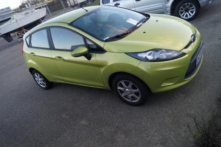 Ford Fiesta. Reg. Nr.: EW59501. 5-dørs. 1,25. Første reg.: 12-04-2011. 57769 km. Kan starte og kører.