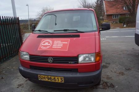 WV transporter kassevogn 2,5 TDI 1. reg.17-05-2002  km:282967 + 500 reg.nr.SH96613 uden plader
