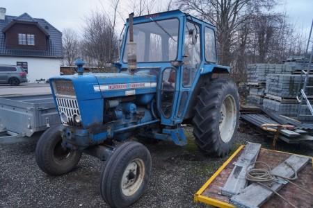 Ford 5000 traktor timer ifølge ur 6249 skal have nyt batteri men starter og kører