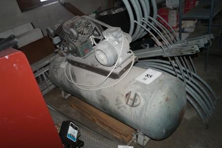 Stempel kompressor mærke stenhøj 195x60 cm oplyst stand ok.