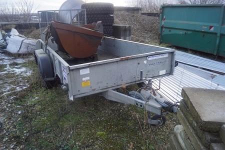 Maskintrailer Mærke Williams total 2575 last 2025 kg. Reg nr MR8459 375x155 cm uden skovle. Uden plader