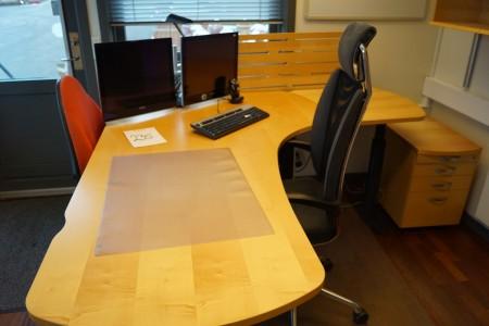 Hæve/sænkebord + stol + 2 skærme + tastatur og mus + skuffe sektion