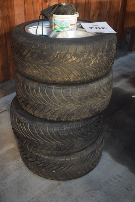 4 pcs. tire with alloy wheels - for Toyota. 195/50 R15. BFGoodrich