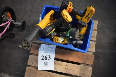 Various power tools. Condition: Tested and OK.