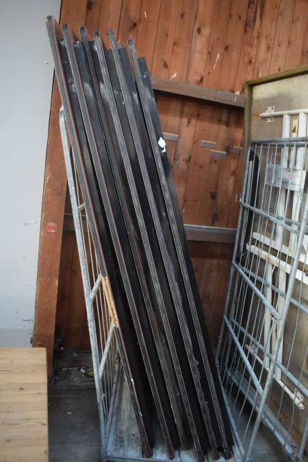 6 folding tables. 183x77 cm.