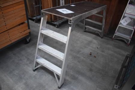 Jumbo scaffolding. Height: 87 cm. Tread surface: 130x45 cm.