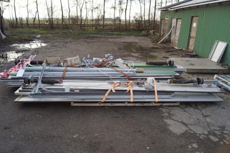 2 stk porte med el hejs 1 på 4,6 m   1 på 4,5 m. OBS NYE MÅL