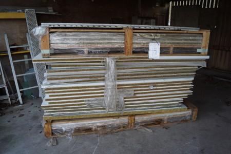Et parti isoleringsplader. 220x60x4,5 cm