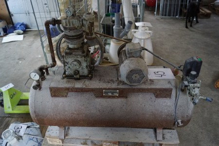 Compressors with 200 l tank vintage 1957 not tested