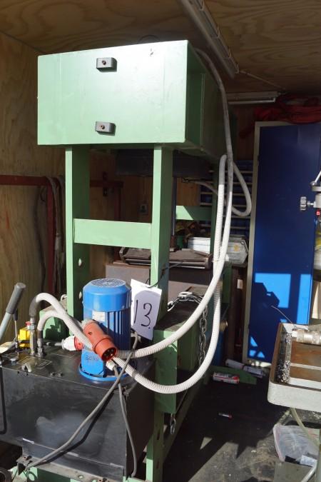 Hydraulisk presse 160 tons model VD160 b:180 cm d:80 cm h:220 cm
