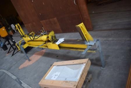 Brændekløver. Afprøvet og virker. Ny ventilblok. + traktorpumpe