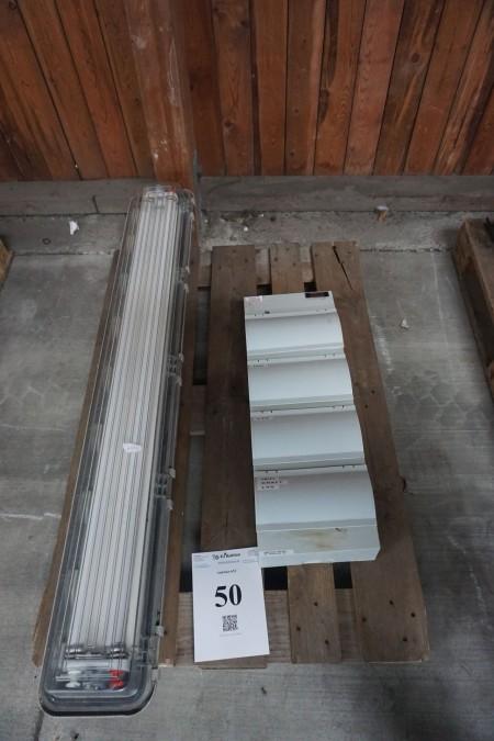 Fuse box + ceiling fixture