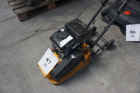 Pladevibrator. Mrk. Herkules. RP 800 B. 87 cc. 2,8 HP.