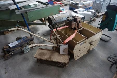 Såmaskine. 3 hk Briggs or Stratton motor.