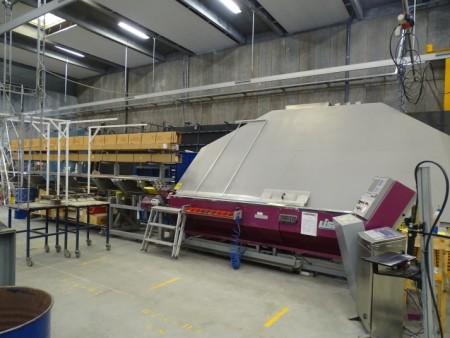 Profil bukker, mærke Liser type Bsv- 30/K årgang 2001 Vægt 1800 kg tryk 6 bar inklusiv føder type PMS 30/4 vægt 850 kg længde ca 5 meter tryk 6 bar materialer medfølger ikke.