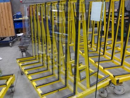 1 stk glas til fuld glasvæg hærdet og lamineret 1040x2540 mm tykkelse 6 mm.