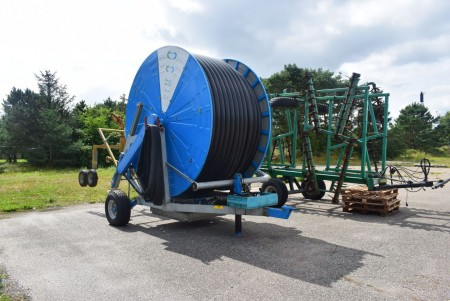 Field irrigator Brand: Ocmis 110 IR2 / 2 vintage 2005 in good condition. Length 530 m diameter 110