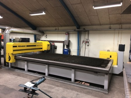 Plasma Cutter Brand: Esab Pegasus. 100 amp. Finplasma. Year 2002. With PC and manual + extra wear parts. Bottles not included. Can take 4 * 2m plates.