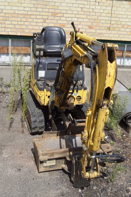 Mini digger New Holland E9SR hours: 1511, 30 cm bucket + 80 cm bucket included, starts and runs