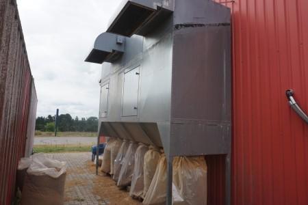 Spånsug med flyma filter 8 poser med motor FAN JK-35D R 11 KW 2800 odr/min max 3200 odr/min årgang 2011. b: 420 h: 380 d: 125 cm