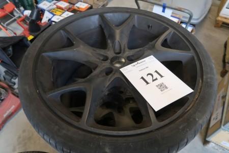 4 Stück Leichtmetallfelgen mit Reifen, 295/30 XR22, 5x108 mm