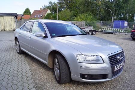 Audi A8 reg nr ZS 28412 Overholdt alle service og olieskift, tidligere ministerbil. Årgang 2006 Første Registreringsdato: 07-12-2005