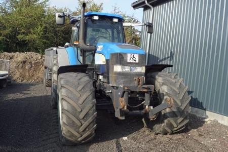 New Holland TM190 timer 5016 med frontlift mærke HEVA reg nr BE694 170 KW  4WD