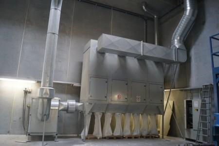 Filter anlæg årgang 2003 producent JKF Industri Type Bag emptying filler with reg fan E 4-LSF P  + FAN JK-45K Æ 30 KW 2250 RPM