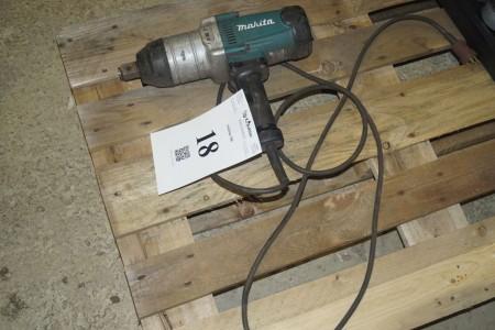230 volts Makita kraftig slagnøgle.