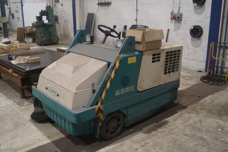 Fejemaskine mærke Tennant 235D Dieseldrevet afprøvet ok. Timer 537 ifølge ur