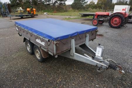 Variant trailer med blå professionel presenning,årgang:2002, reg nr:JM 6655, totalvægt 1000kg, egen vægt, 325 kg, max last 675kg. Med papirer