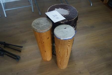 3 stk. bongotrommer. Bemærk der er hul i 2.