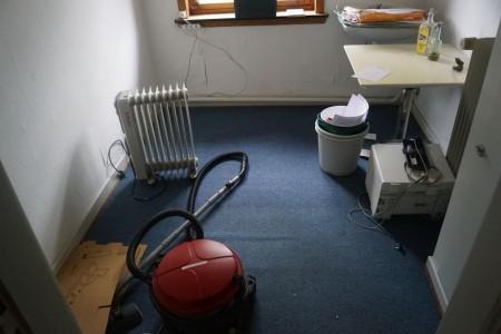 Alt i rum heriblandt støvsuger mærke: nilfisk, radiator mm.