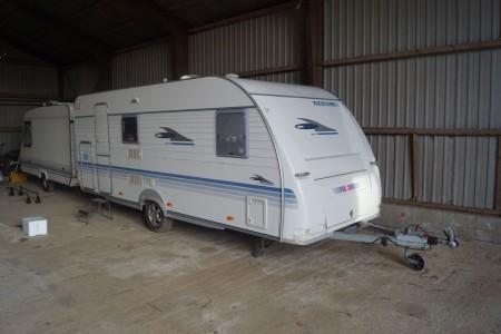 ADRIA - ADORA 542 TK Caravan mit Front- und Heckschaden. Reg-Nr. HG1491 ca. 8 m