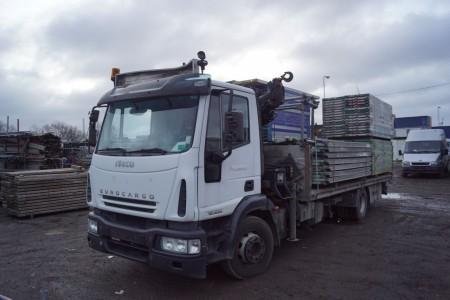 Iveco Euro Cargo MI120  Lastbil km 245432  Tidligere reg nr AV52218. Hiab 077 H1000 kran med fjernbetjening  Lastbil skal have ny kobling og synes ladstørrelse 550x210 cm