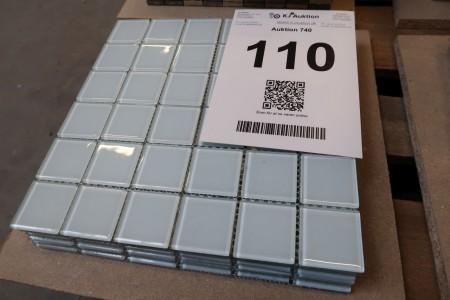 9 stk. mosaik fliser på net, hver net 30x30 cm, hver flise på net 4,5x4,5 cm, glas hvidlig. Kasser har været våde så net kan være skrøbeligt