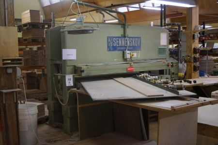 Sennerskov press. Type: p10255-1-6-ls.