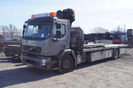 Lastbil med kran. Fabrikant: Volvo. Model: Fe280