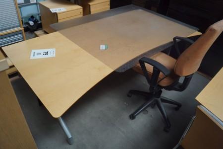 El hæve sænkebord + kontorstol og måtte