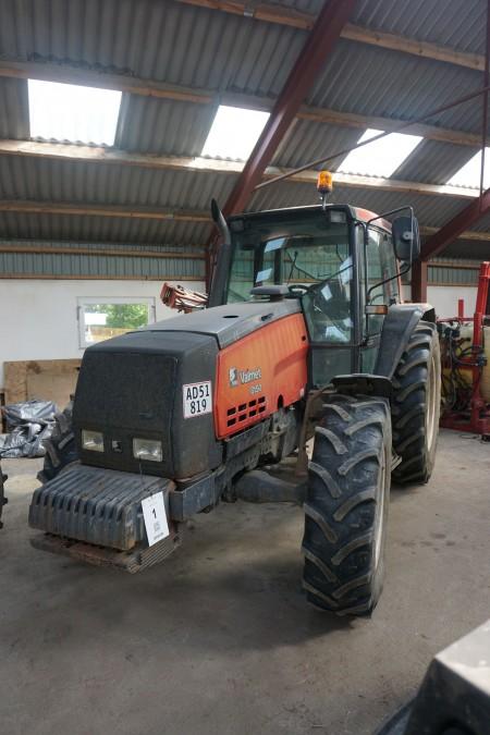 Traktor Valmet. Type: 8150.