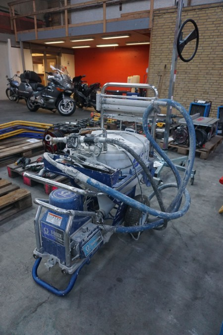 Filler sprayer on wheels, brand: Graco, model: T / MAX 506