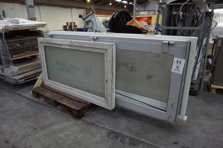Terrassentür mit Rahmen + Badezimmerfenster mit Rahmen
